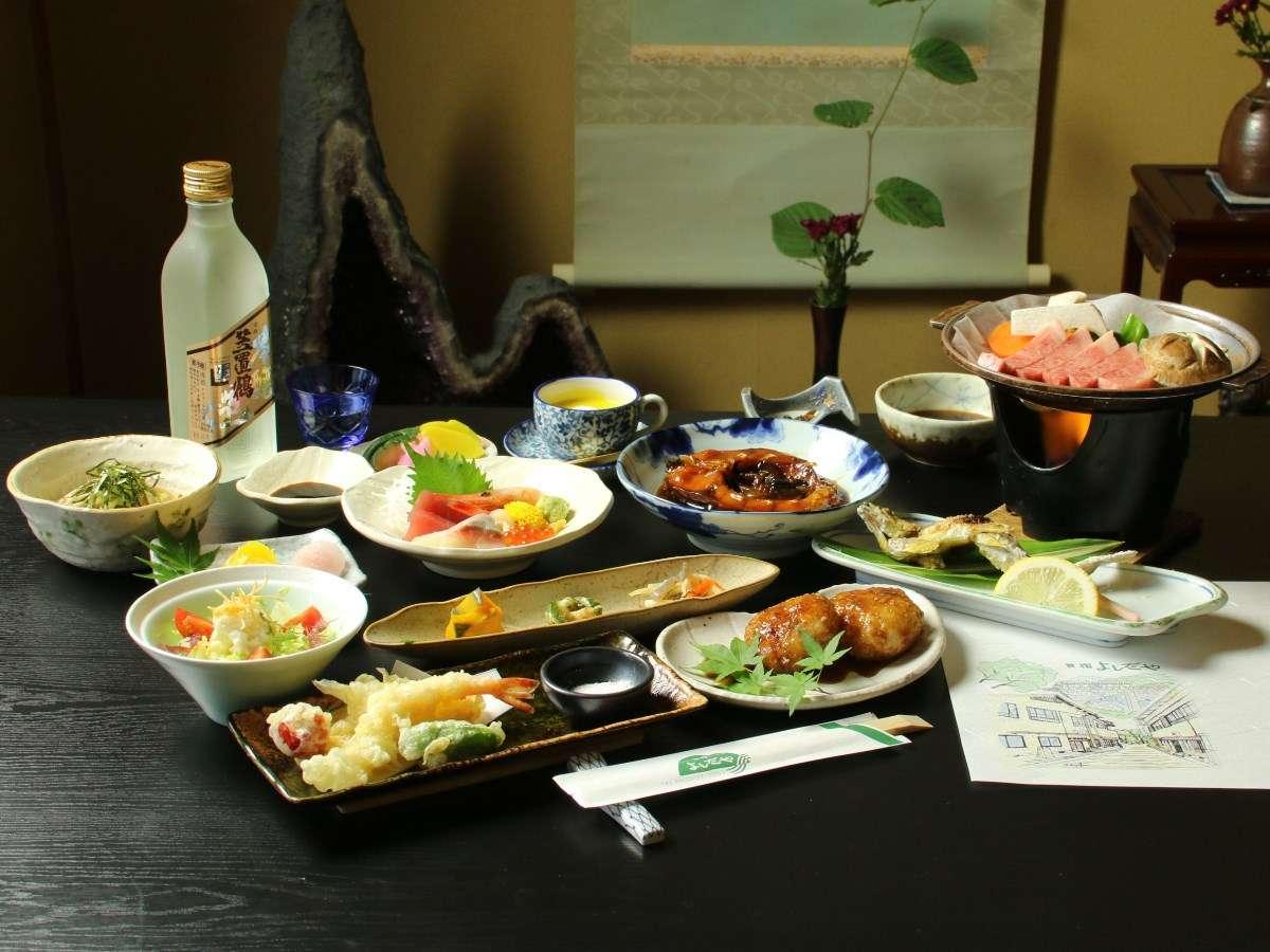【夕食_飛騨牛陶板焼き_全体】グレードアップのお料理一例。飛騨牛を贅沢に。