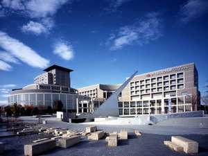 【施設外観】都市景観100選にも選ばれた街の中心に位置しております。