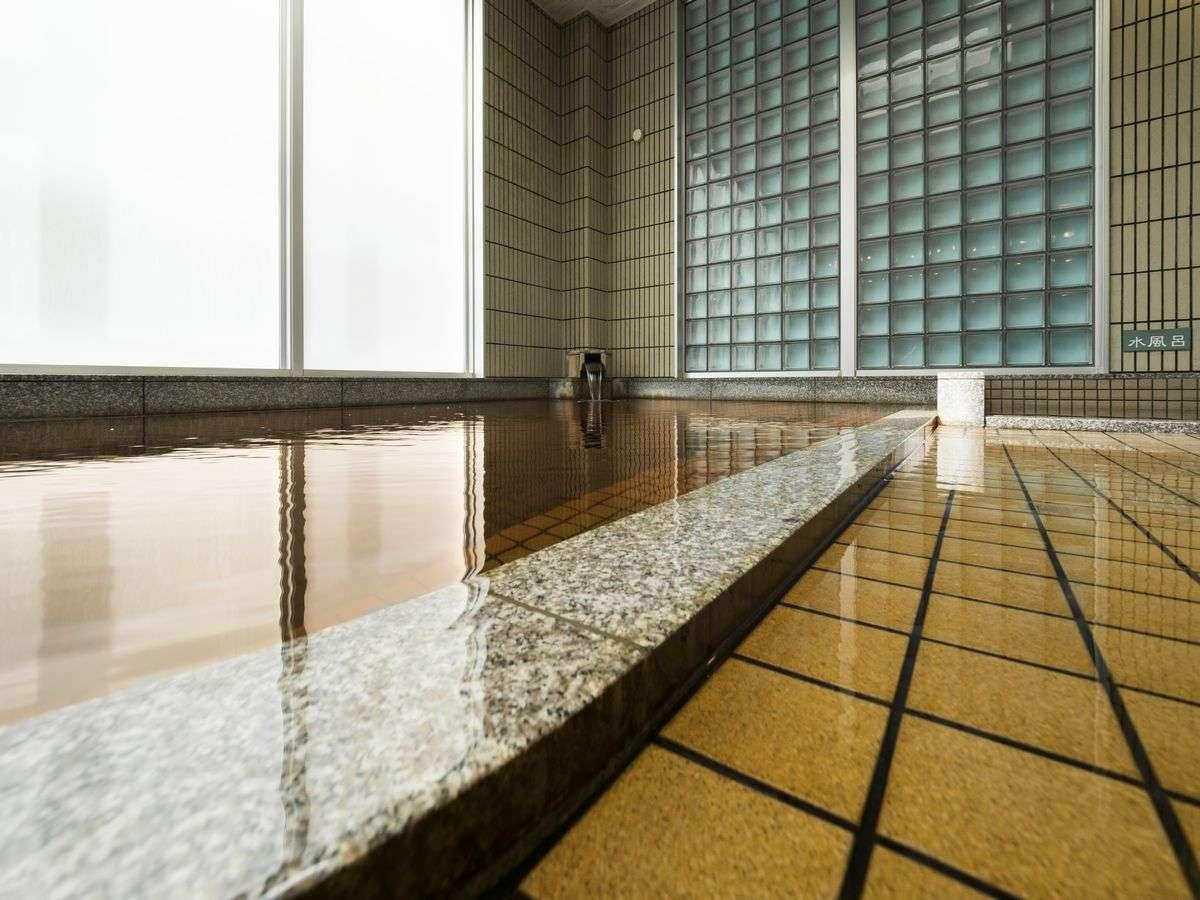 浴槽から湯が溢れ出る!その名も「オーバーフロー風呂(ブロ)」お湯がいつも新鮮で清潔♪