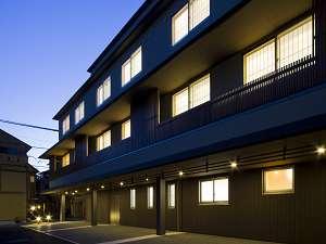 平成21年6月1日増築宿泊棟西館(全24室)堂々完成致しました。じゃらんでのご予約は新館客室。