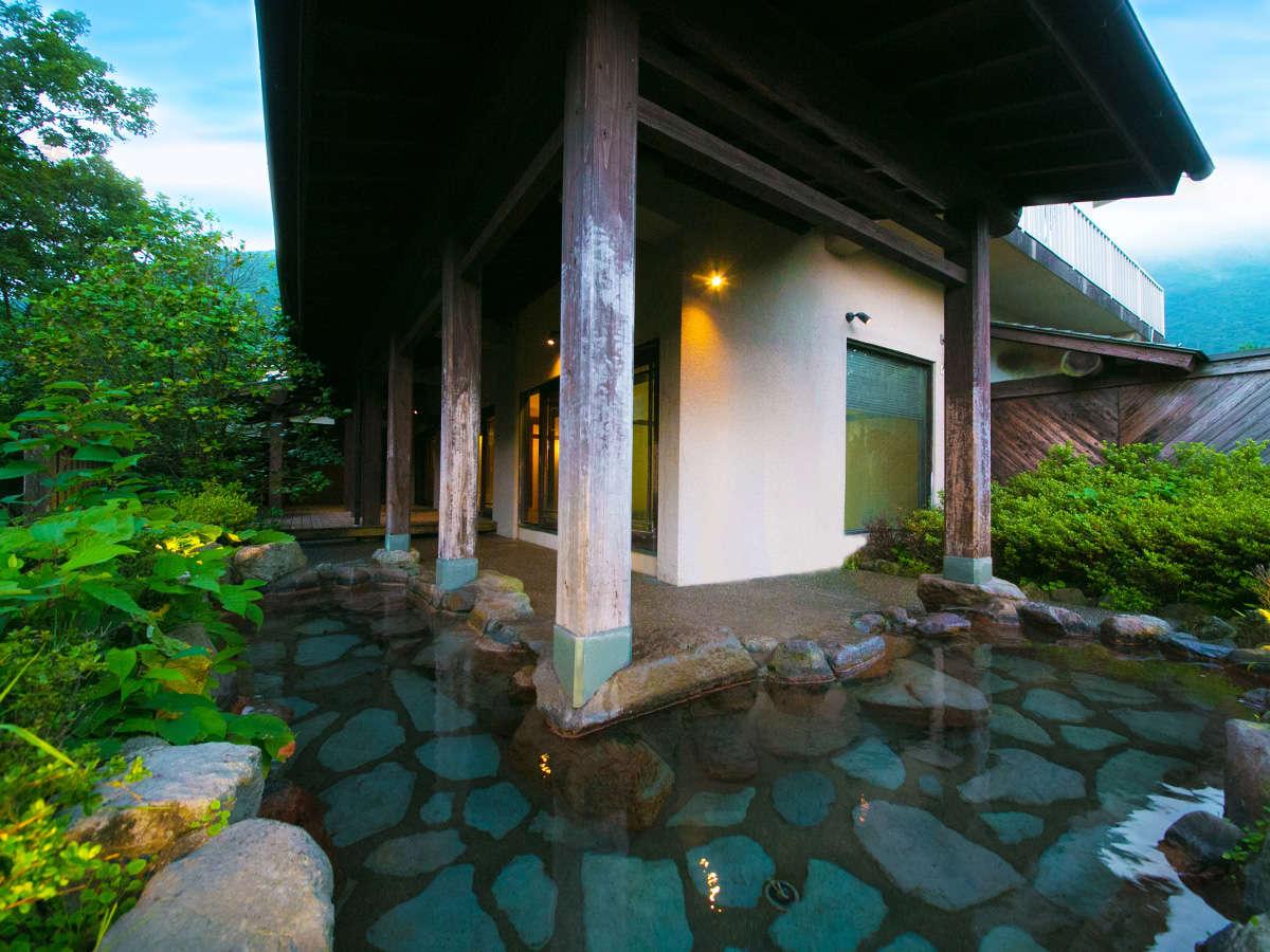 ■天涯の湯-露天-■山の静けさの中、しっとり愉しむ温泉はまた格別
