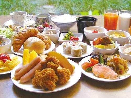 大好評の和洋30種以上の朝食バイキング♪専属スタッフが真心こめて手作りしております。