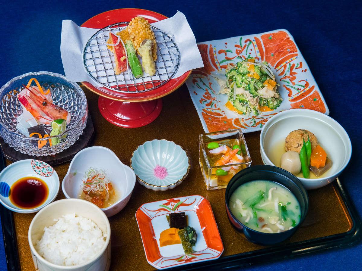 夕食の一例☆夕食付きプランでご提供の琉球御膳