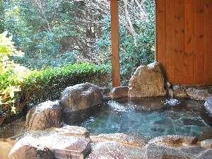 野趣に溢れた露天風呂