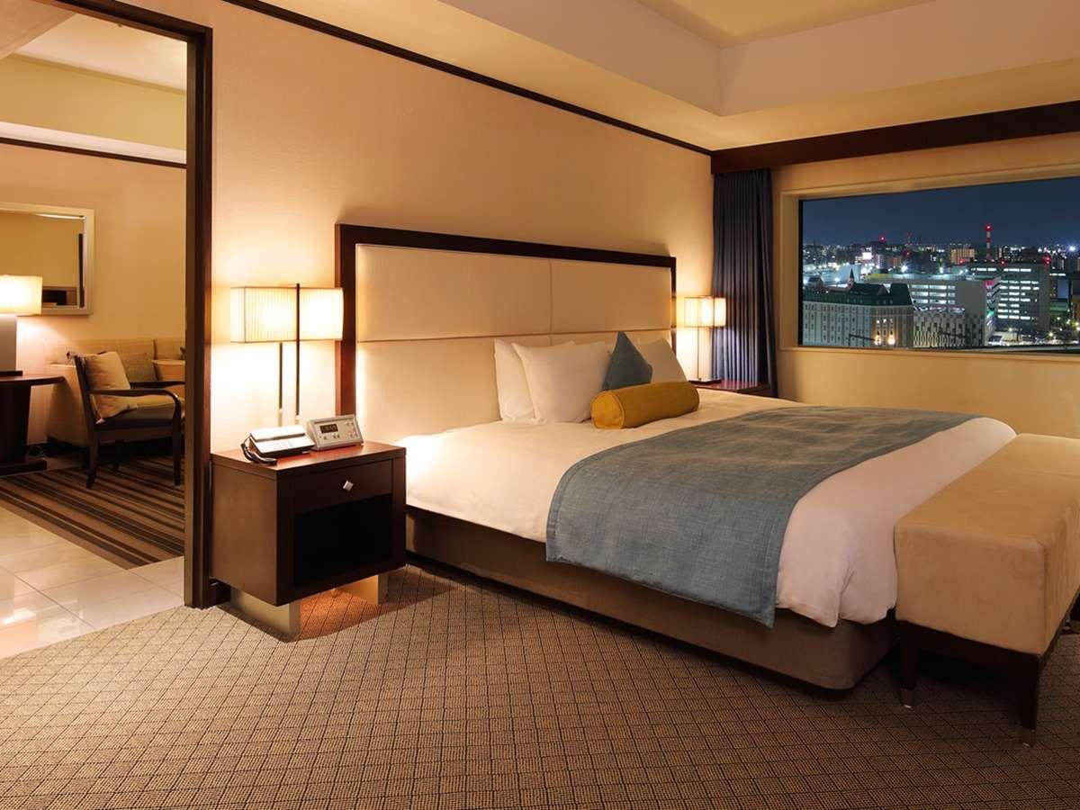 【エグゼクティブスイート】60平米/200×200cmの大きなベッドモダンなインテリア