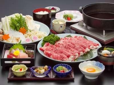 牛すき焼き鍋プラン☆(写真のお肉とお野菜は二人前です)
