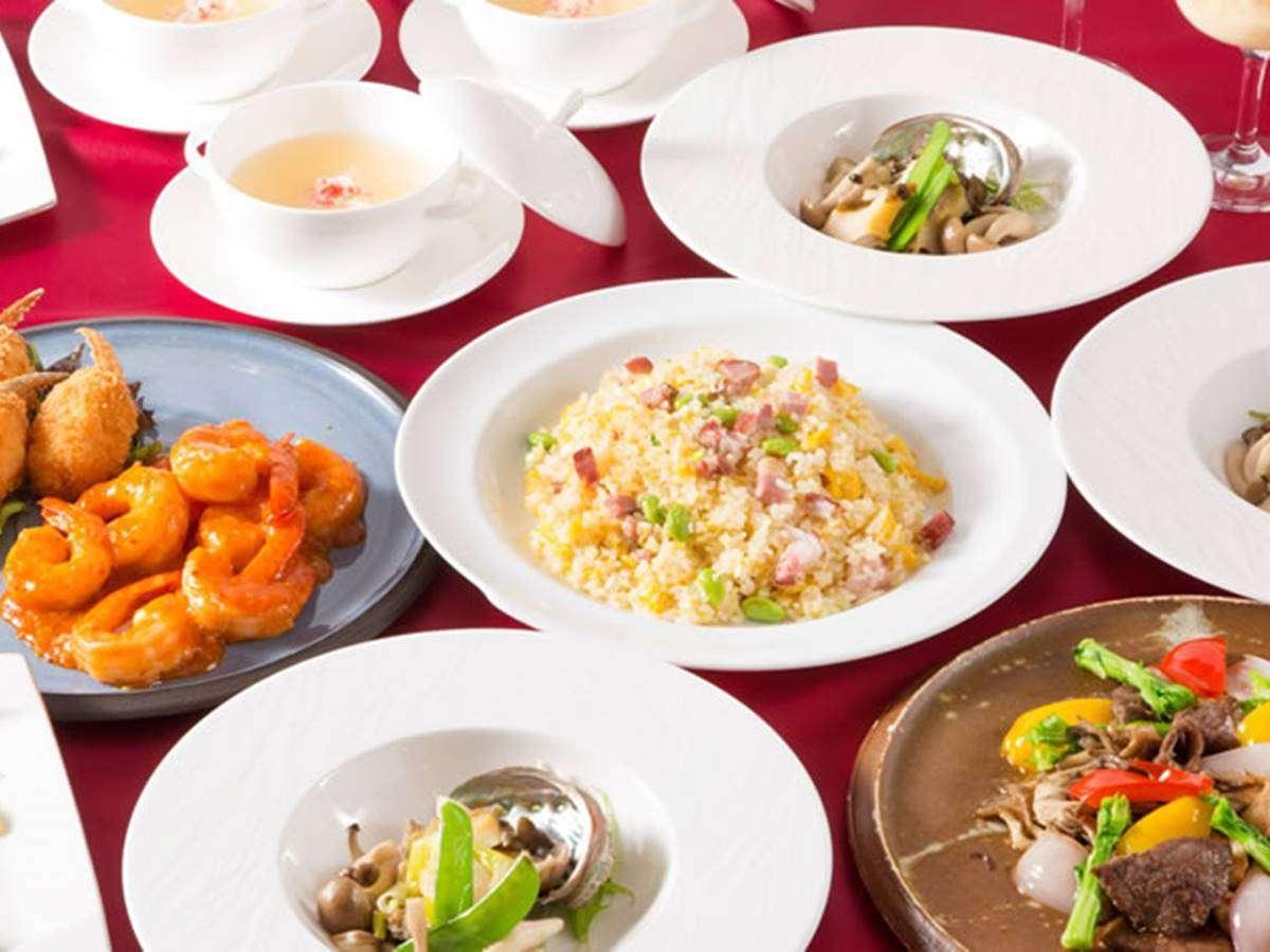 *夕食一例/牛肉のXO醤炒め ・天然海老のチリソース煮 ・鮑の葱生姜炒め等6~7品のコース。