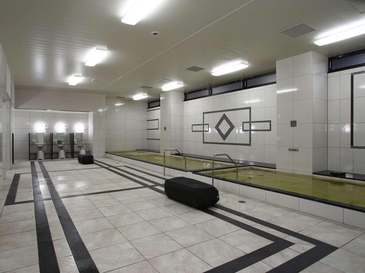 大浴場 (男性用)3:00p.m.~1:30p.m. / 6:00a.m.~10:00a.m.