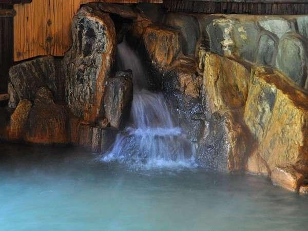 こんこんと湧き出る温泉