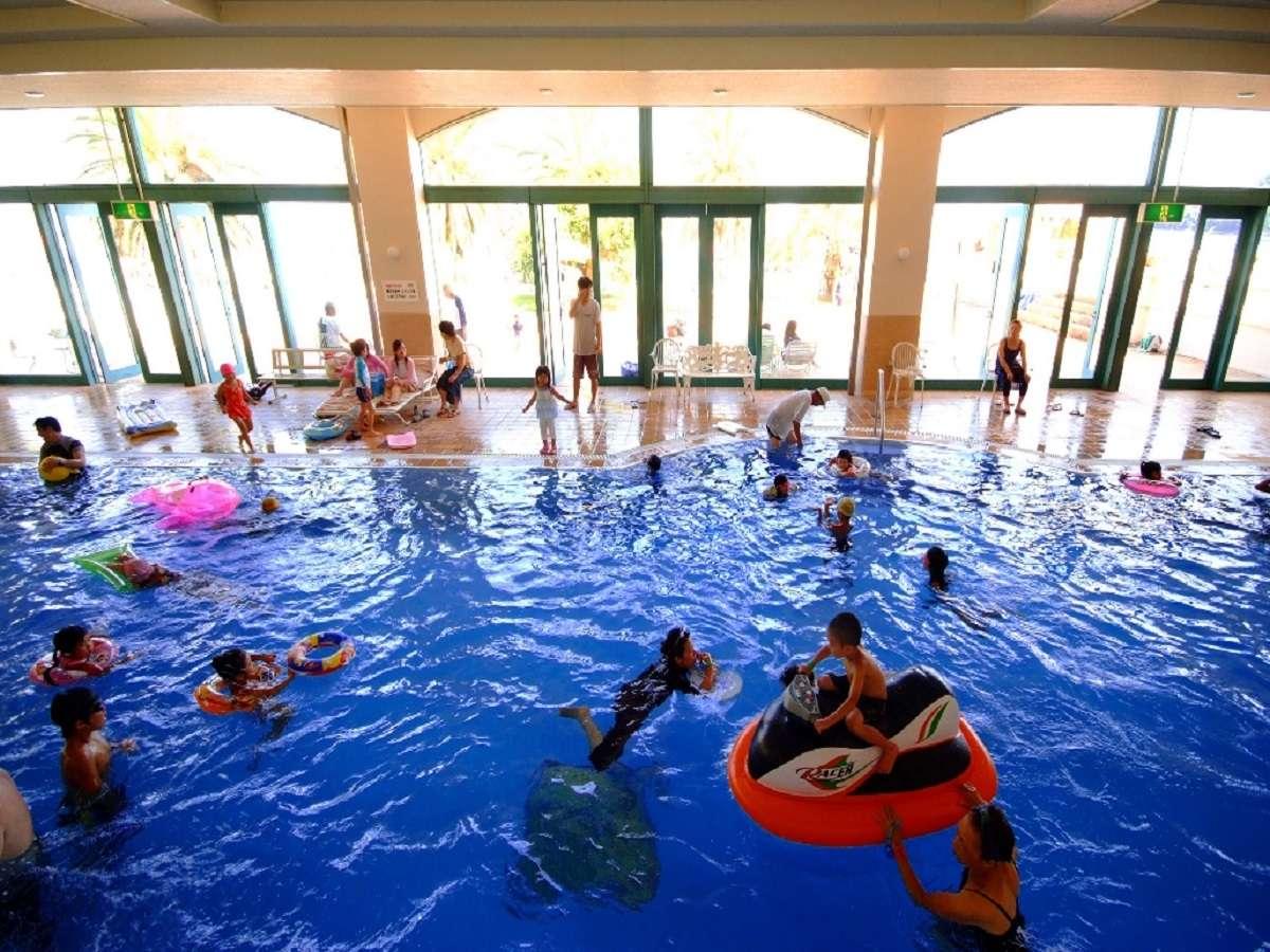 屋内プール(季節営業)春休み・GW・夏休み・年末年始の営業となります、詳しくはお問い合わせ下さい。