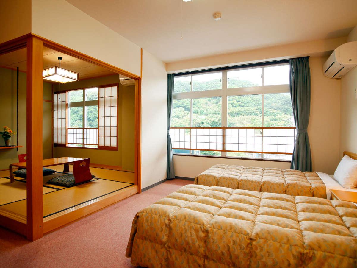 【山側◇和洋室】 ベッドでゆったり寛ぎたい方にお勧めの和洋室。シングルベッドを2つご用意。