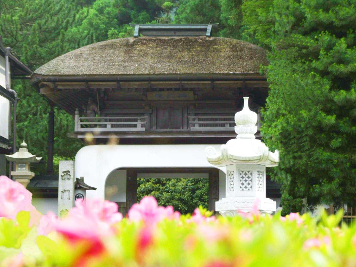 竜宮門の山門