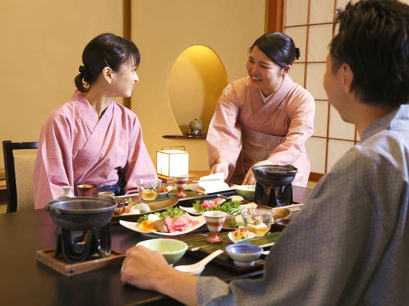 部屋食イメージ:ゆっくり味わいたい旬の会席料理。係がお部屋でおもてなしいたします。