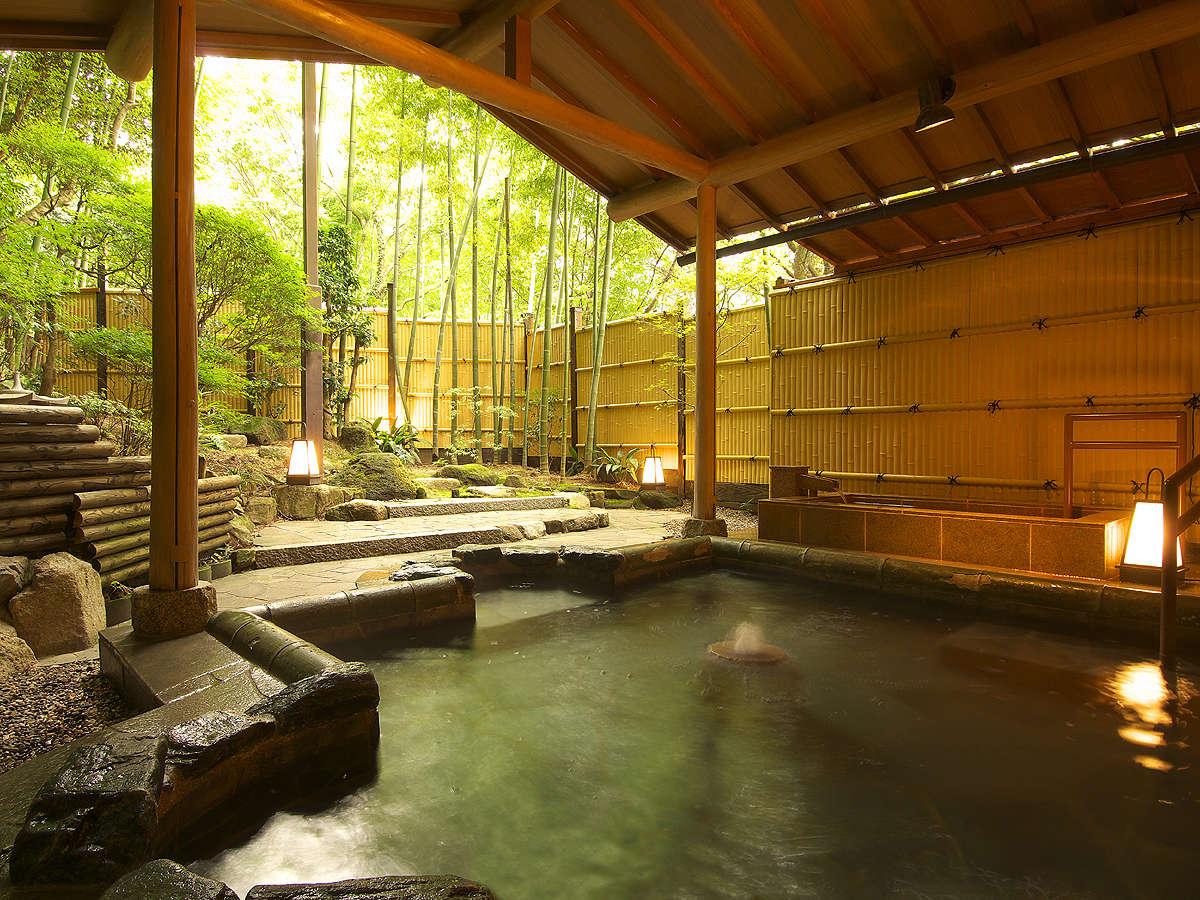 自然を感じる4つの貸切露天風呂