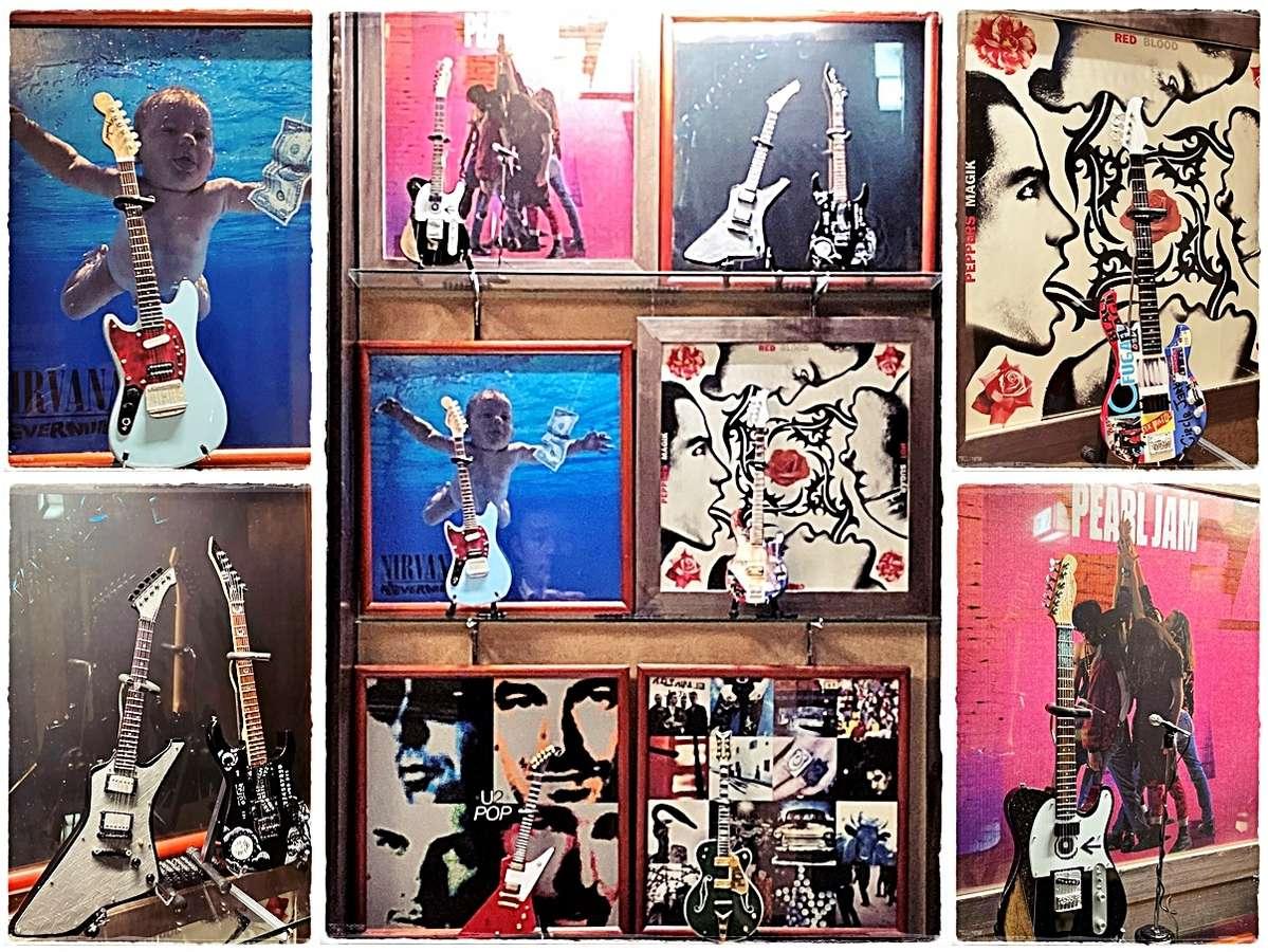 LPレコード&ミニュチュアギター 館内飾り