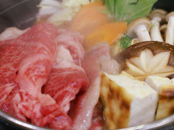 【上州牛すき焼き】大きく厚みのある上州和牛を甘辛の割下でとろける美味しさをお試し下さい!