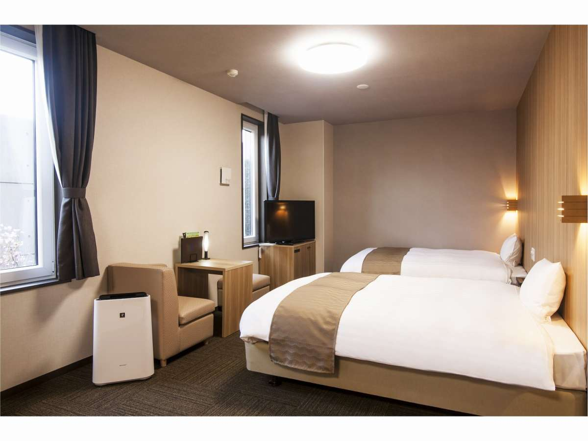 和洋室デラックス!広々和室にダブルベッドが2台! 当館で一番大きいお部屋です!