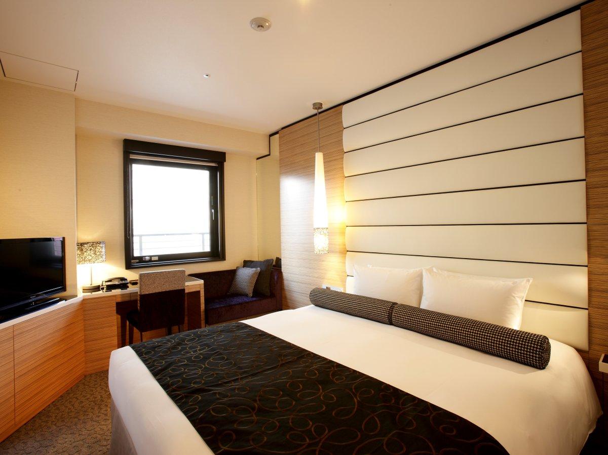 【スーペリアダブル】ベッドは180cm幅キングサイズ!