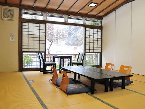 【和室一例】ゆったりお寛ぎいただける静かなお部屋です。