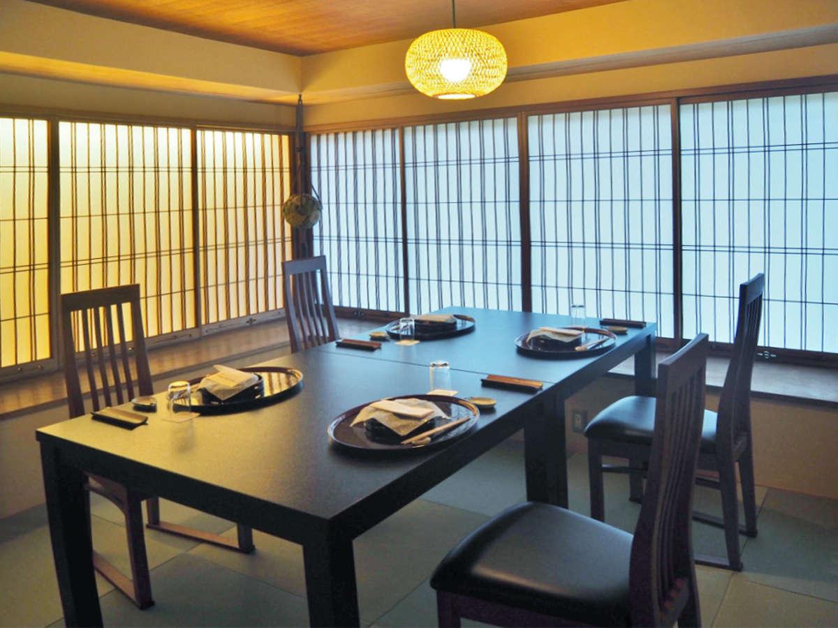 個室御食事処が完成しました(11種類の趣きが異なる個室です)懐石料理1.2品づつお出し致します。