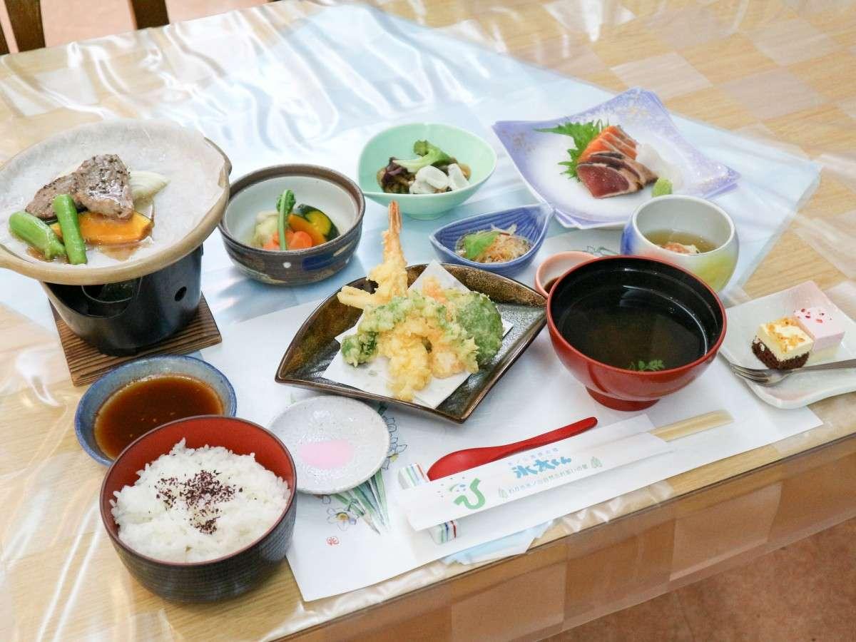 *【夕食一例】野菜やお米など地元の食材を多く使った会席料理
