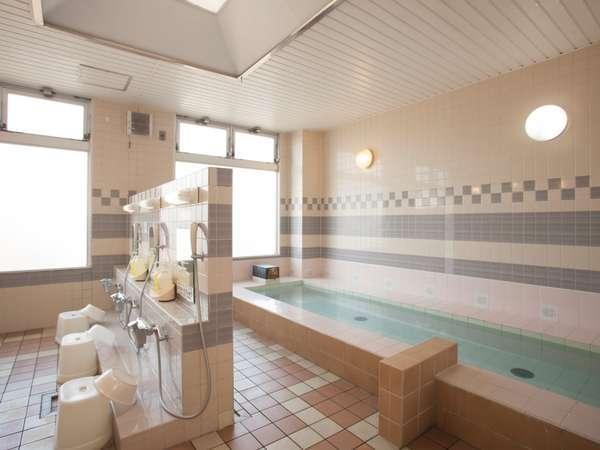 ゆったりリラックスできる大浴場もご利用可!(男性専用)旅の疲れをゆっくり癒してください♪