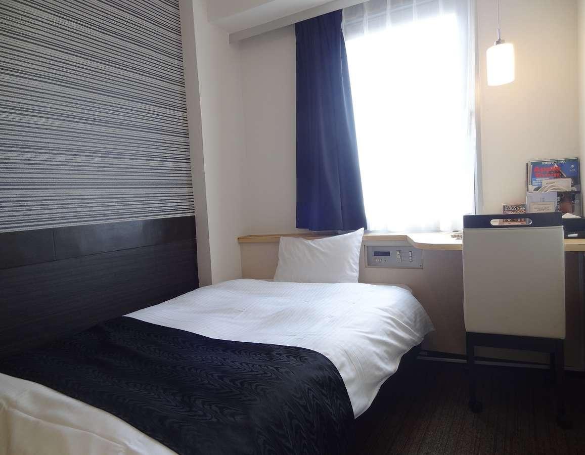 【客室】シングルルーム 全室無線LAN(Wi-Fi)、有線LAN完備