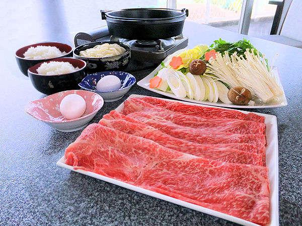 国産牛すき焼き(2人盛り例)