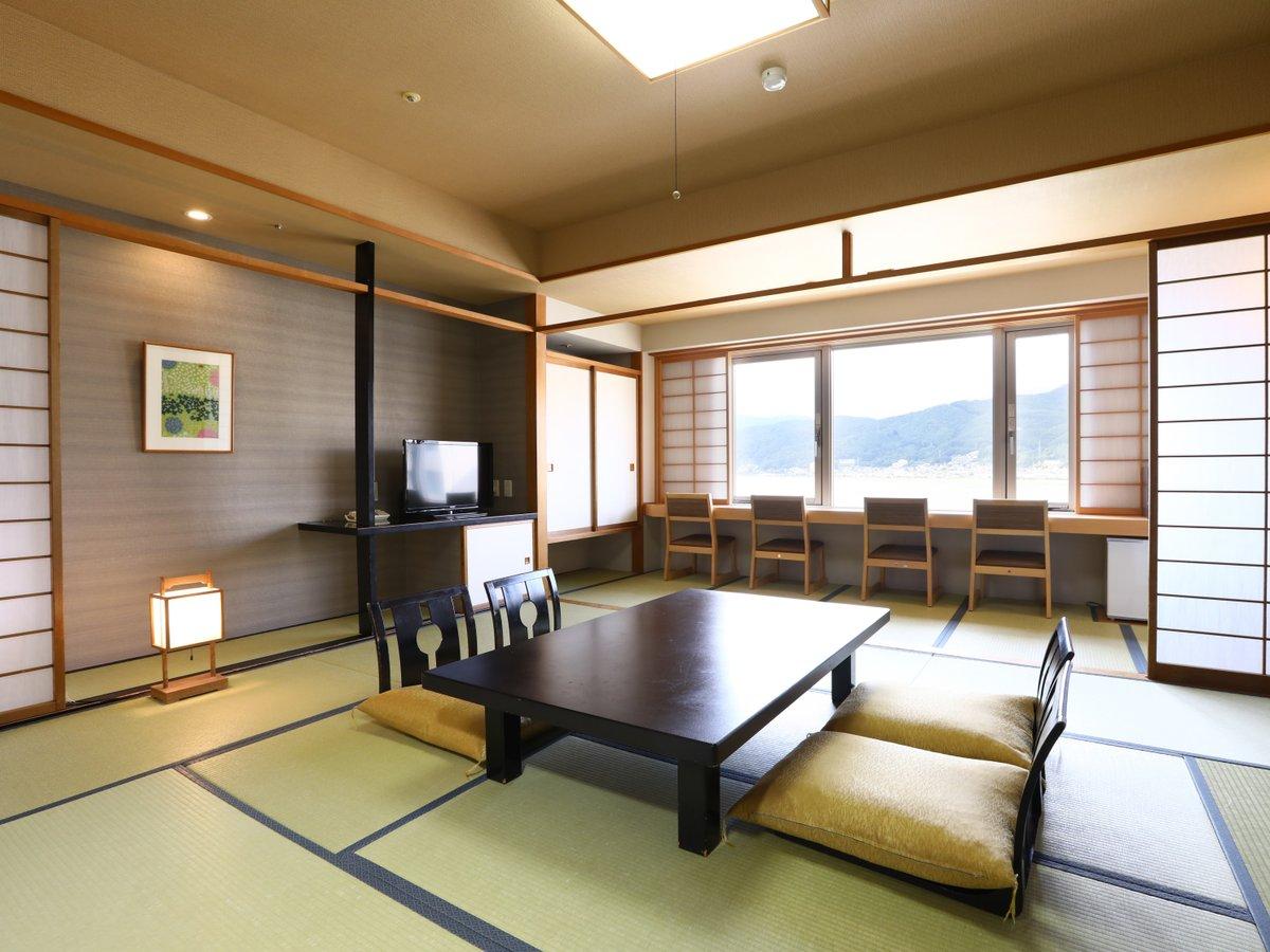 【レイクビュー基本和室】諏訪湖を眺み信州の四季を楽しめる眺望。夏季花火見えます。