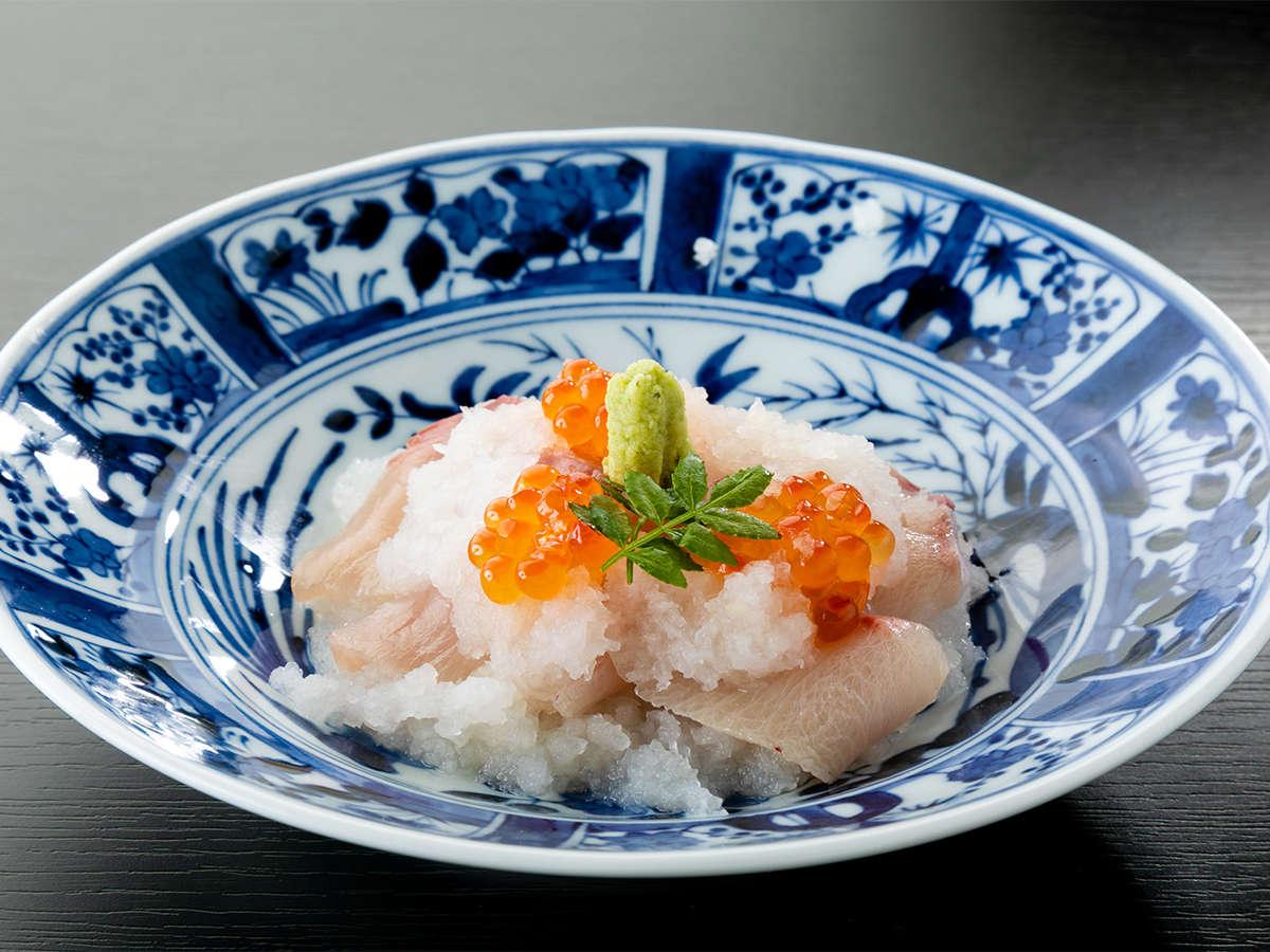 *【夕食一例/冬】越前がにと並ぶ、福井の冬のごちそうであるブリを「かぶおろし」味わう