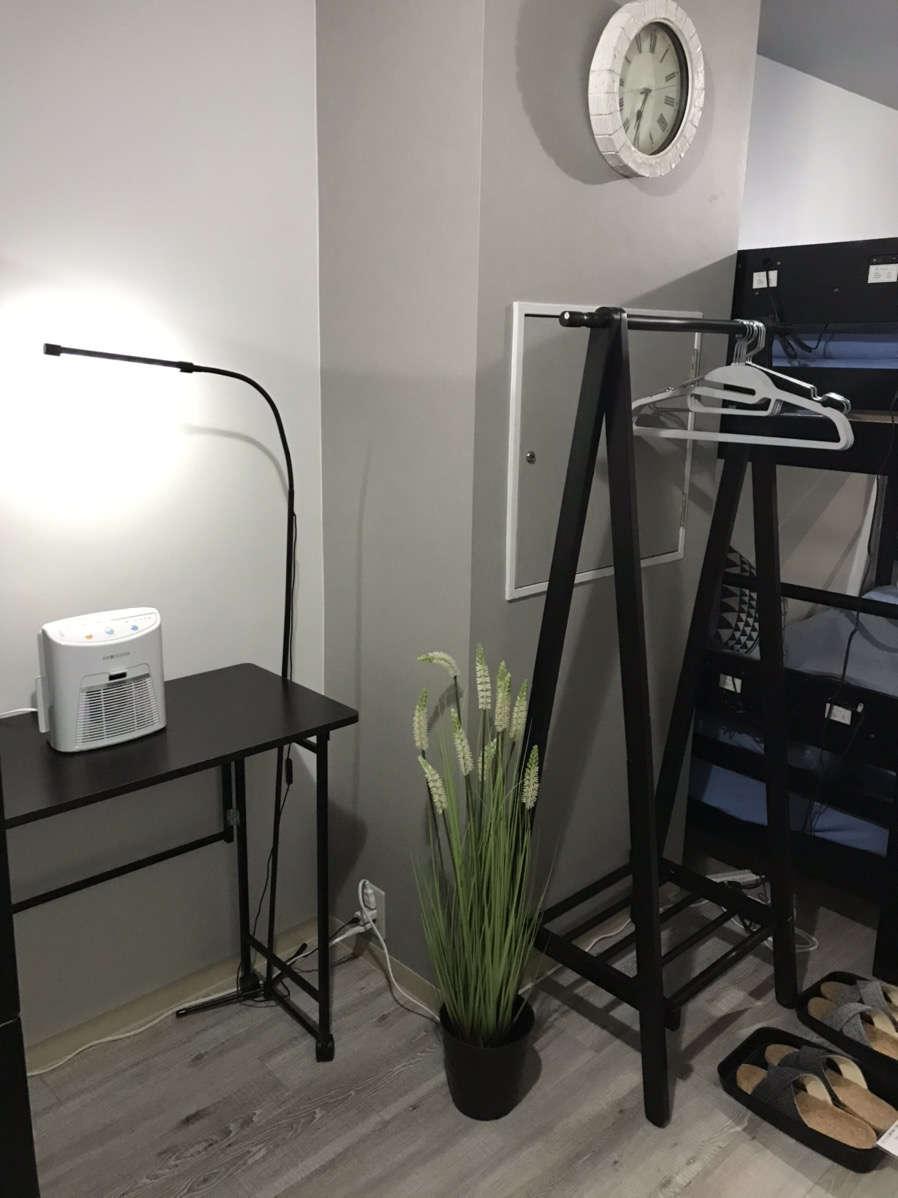 安心してご滞在いただけるよう、各部屋に除菌機器を設置しております。