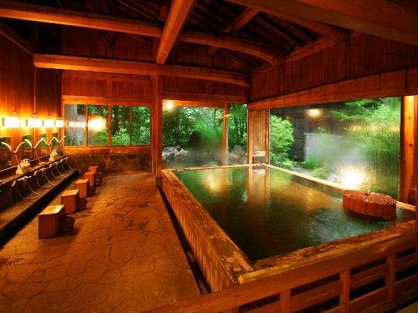 「長閑の湯」女性用浴室 かけ流しの源泉がたっぷり