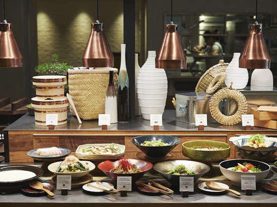【朝食】国産の食材を使った料理は約60種類