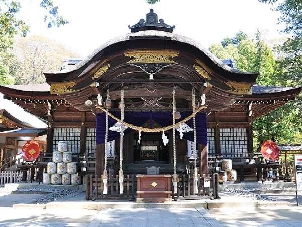 ■武田神社正面(写真提供:甲府市観光協会)