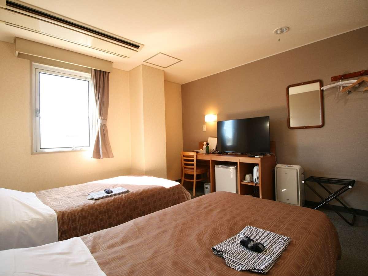 18.6平米のツインルームには43型4K液晶テレビがありお部屋でゆっくり過ごすのもおすすめ。