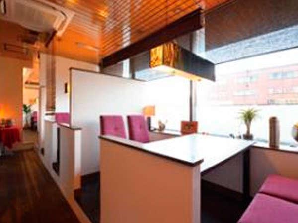 1階『パスタ・ド・ノール』では生麺を使ったパスタやオリジナルデザートなど人気レストランです