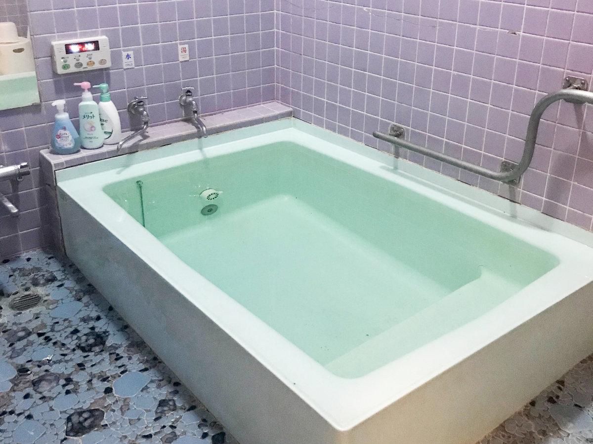 【お風呂】広めの家族風呂が1つございます(先着順)
