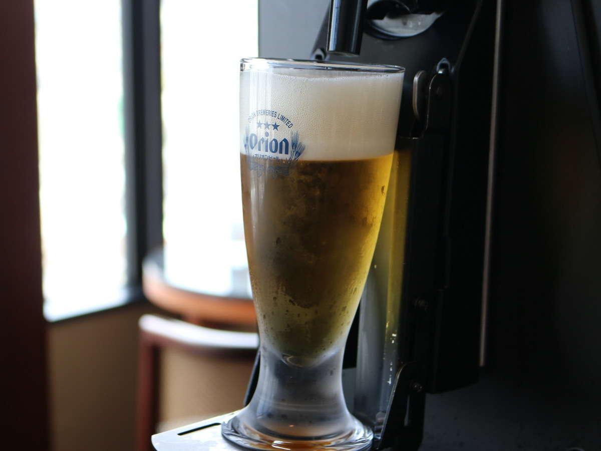 【クラブラウンジ】全自動ビールサーバーでいつでもオリオンドラフトビールが飲み放題!