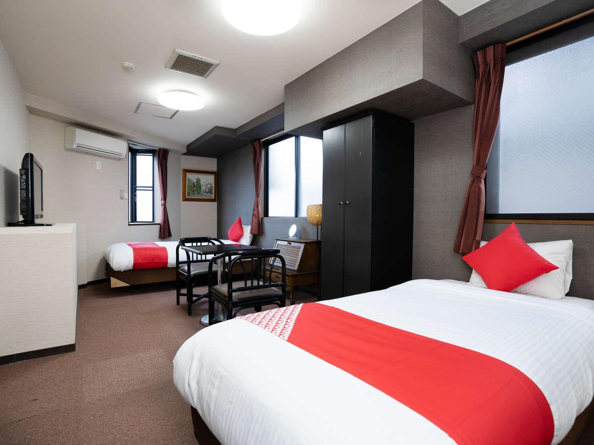 お部屋はシンプルでお洒落な内装となっており、とても快適な開放感がございます。