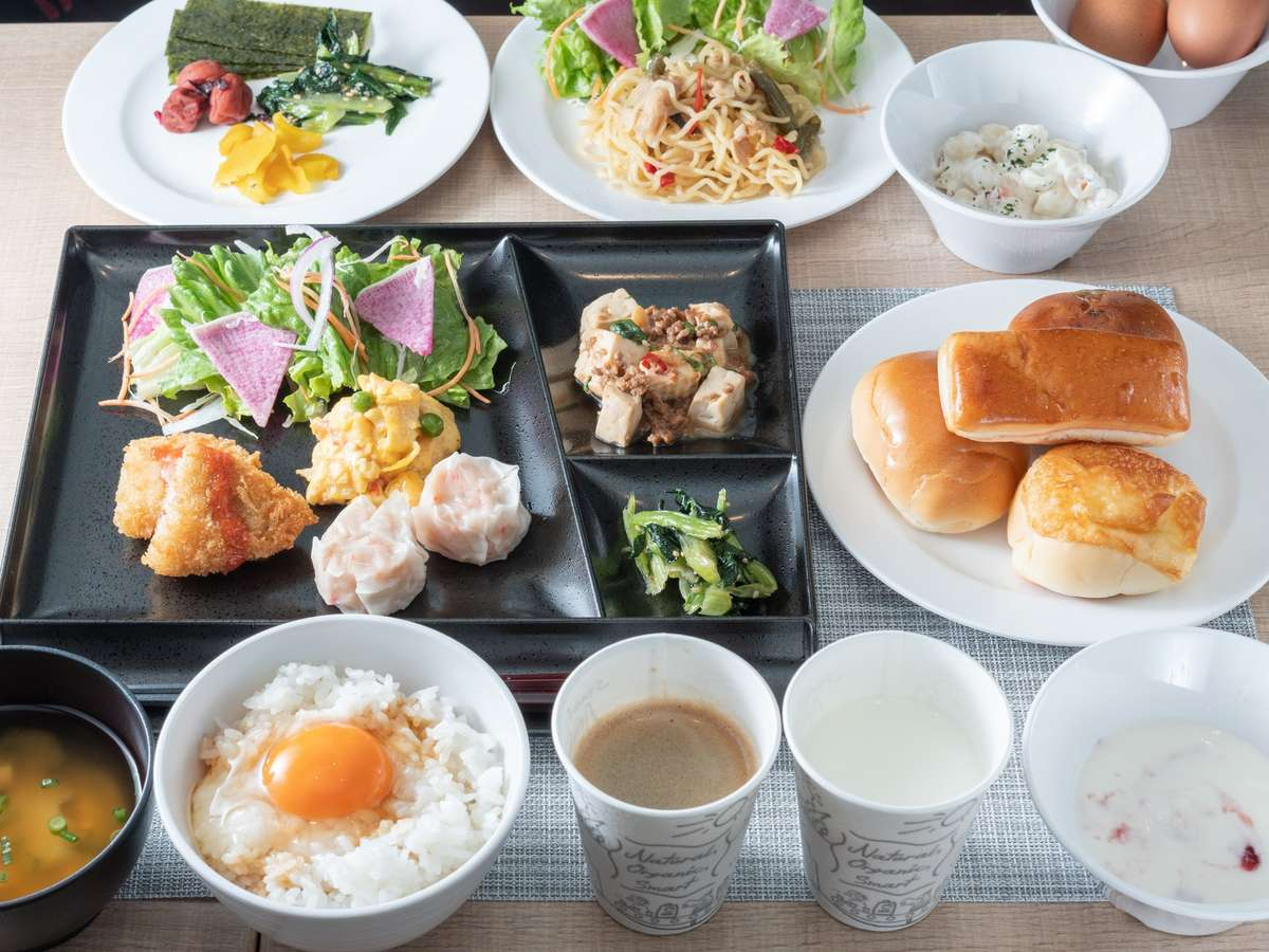 【Organic】サラダ・パン・ご飯・おかずなど沢山ご用意