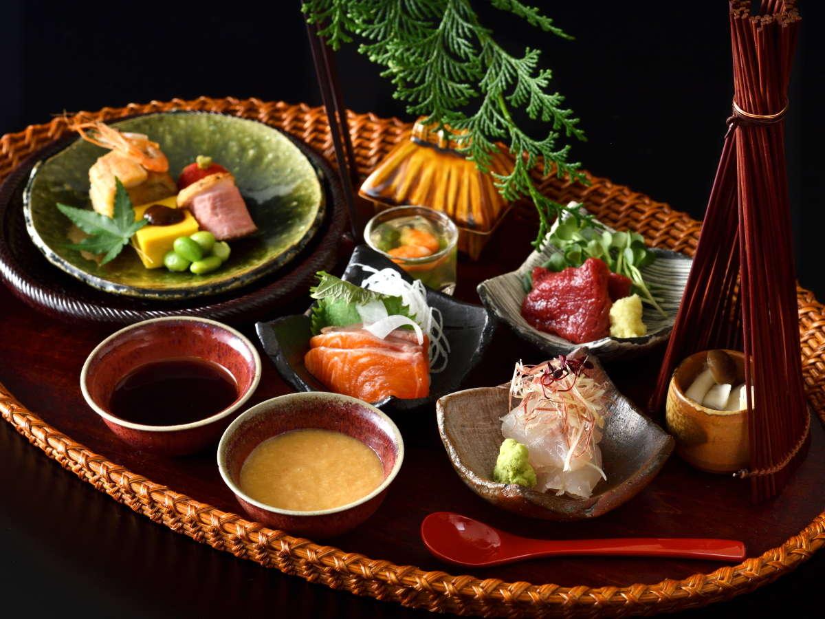 【季節の会席料理】旬の食材が少しずつ味わえる目でも楽しい「宝楽盛」