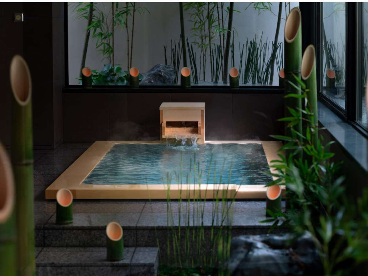 バンブースウィートルームお風呂約2mサイズのゆったりとした心地良さをお楽しみくださいませ。