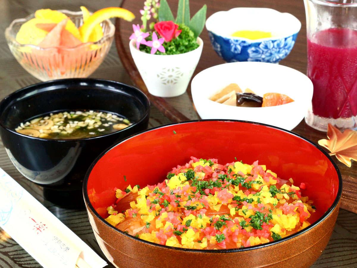 【ご朝食 -三重名物手こね寿司-】※和朝食または中華粥からお選びいただけます。