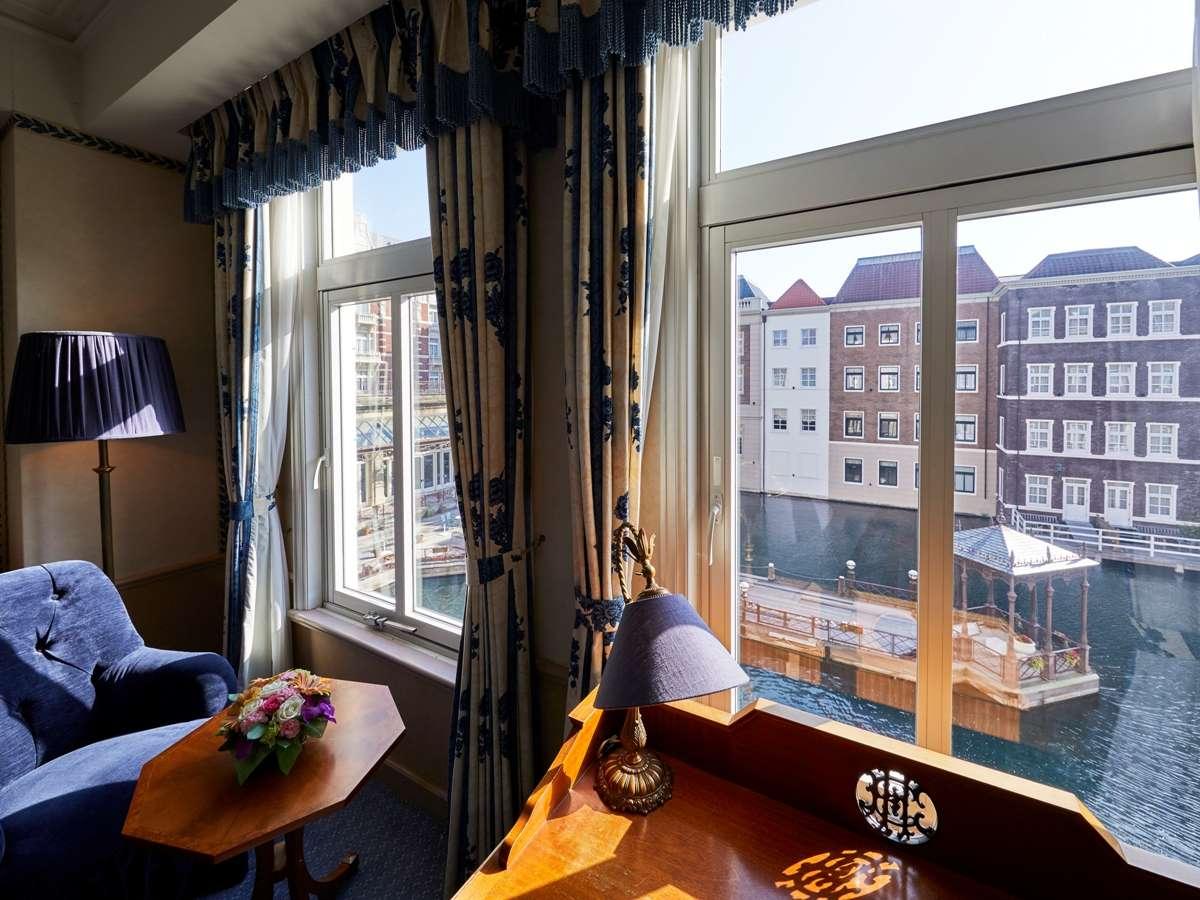 内海を望むスタンダードタイプ。窓から見る景色は非日常を味わえる!