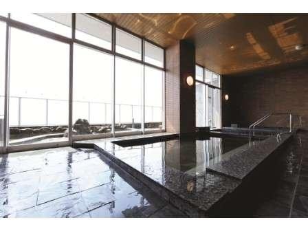 [風呂場]室内風呂は大きな内湯・ジェットバス・薬湯風呂と湯浴みが楽しめます
