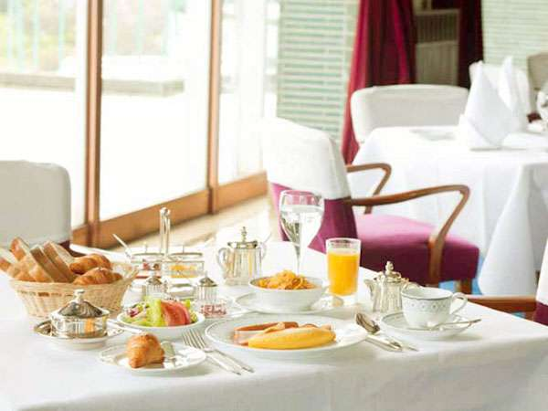 朝食はレストランにてお召し上がり下さいませ。※写真はイメージです