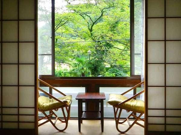 *窓からは森林セラピー基地にも認定された七沢の自然をお楽しみいただけます。