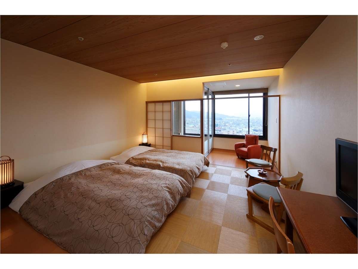 【西の館・展望風呂付ツイン(36㎡)】最上階!松本平の夜景一望