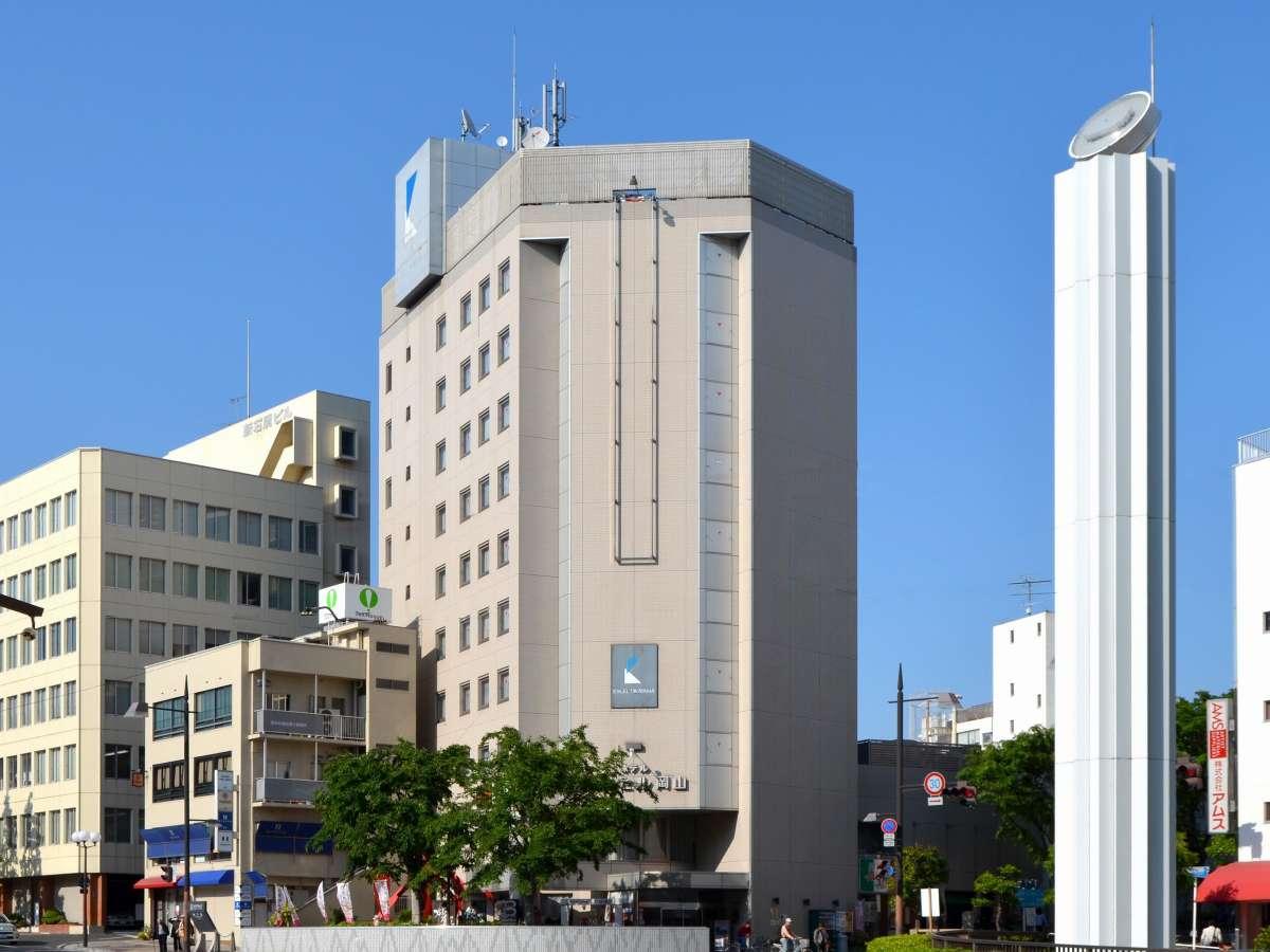 JR岡山駅から路面電車で約5分、岡山城や岡山後楽園まで散策しながら約10分。ビジネスや観光に便利です。