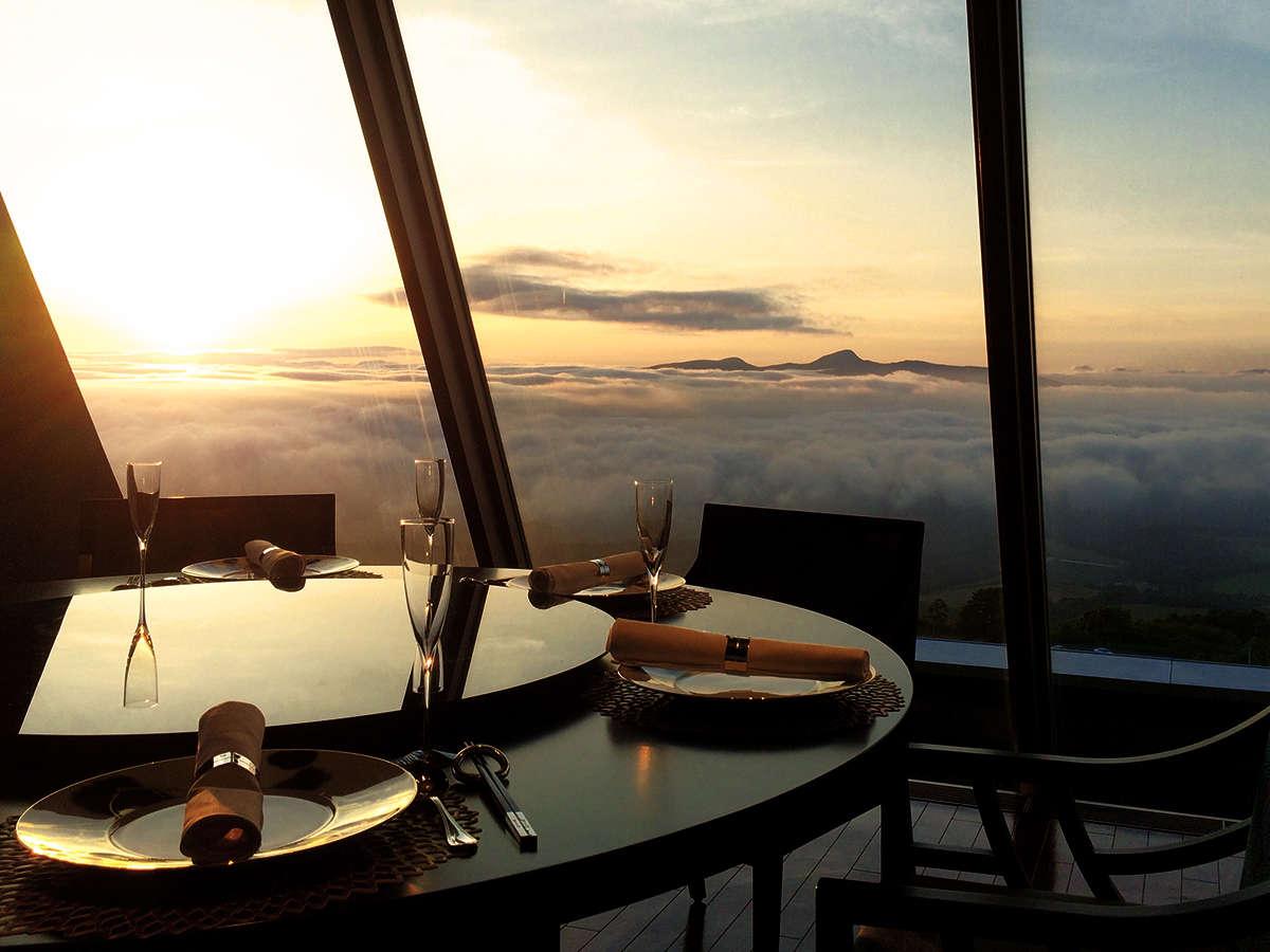 レストランから臨む、視界一面の『雲海』――季節や時間が合えば出逢えることも